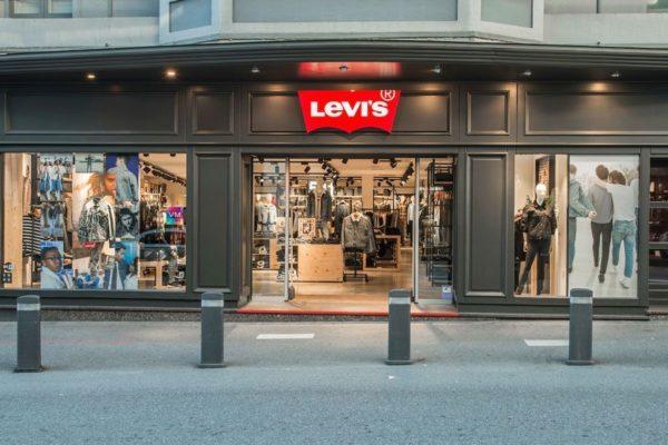 tienda-levis-via-moda-exterior