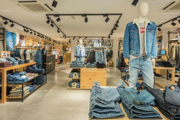 tienda-levis-via-moda-interior-1