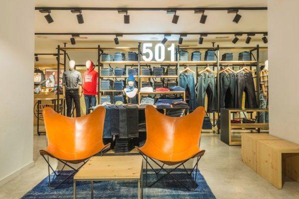 tienda-levis-via-moda-interior-2